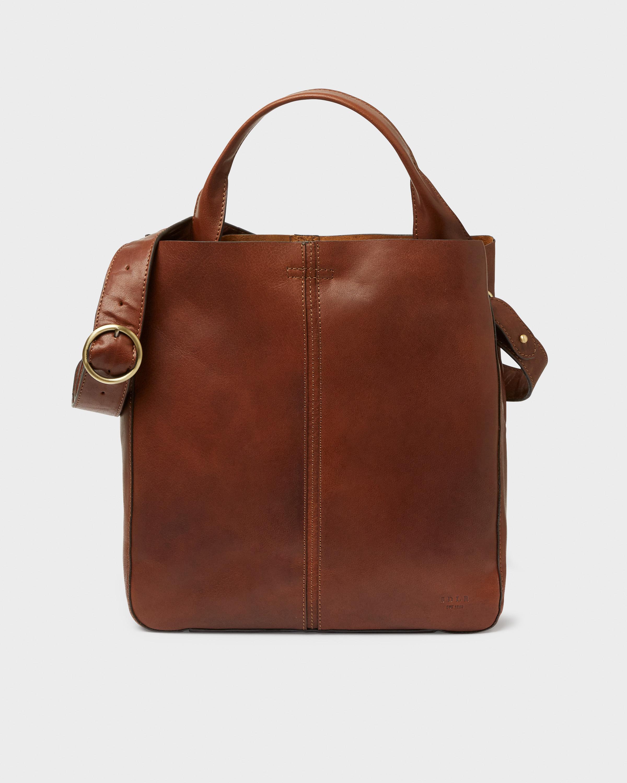 Köp Paris toteväska på saddler.se Kvalitetsprodukter i
